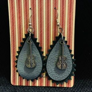 Double teardrop guitar earrings/Designs by Jan
